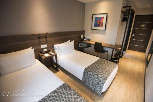 リゾート内には全室同じタイプの清潔感あふれる客室が準備されている