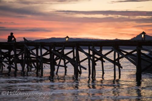 リゾートの目の前には美しいサンセットが見られ1番のベストポジションは桟橋だ