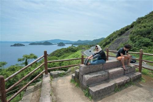 展望台からは南さつま近辺の小島も見ることができる(撮影/堀口和重)