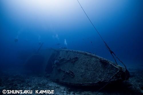 船首側から撮影。沈没から70年以上経った今も、その美しいフォルムを残している