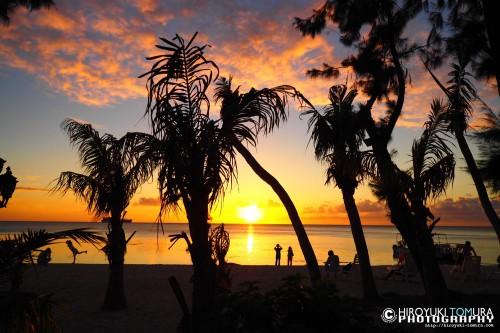 美しい夕焼けと波の音ととともに過ごす極上の時間をサイパンで感じてほしい