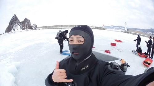 ワールドダイブさんのシェルドライ「IC7200-PRO」と専用のインナーウェアで流氷ダイビングも行ってきたぜ!