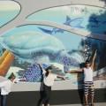 施設に到着。海外のアーティストが創った、海を感じるオブジェも!