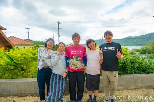 ネイチャー石垣島のオーナー多羅尾さんと一緒に潜ったゲストの方々