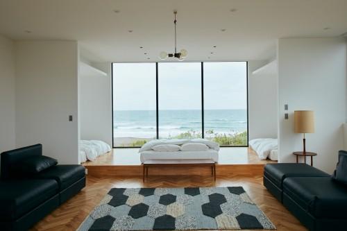 Cタイプの部屋にはオーシャンビューのベッドルームも。眺めが素晴らしい
