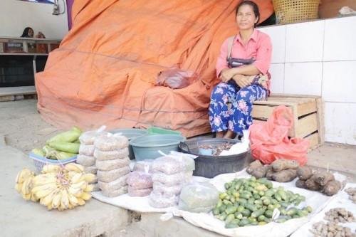 積んである袋は、フローレス島名産のコーヒー豆