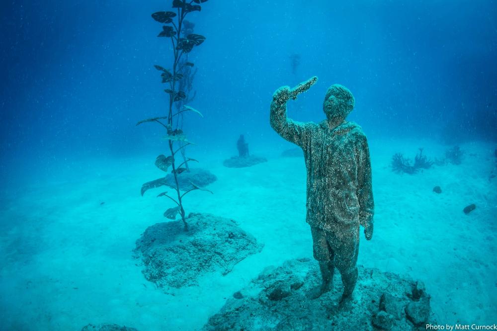 オーストラリアに誕生した海中美術館。その目的とは?