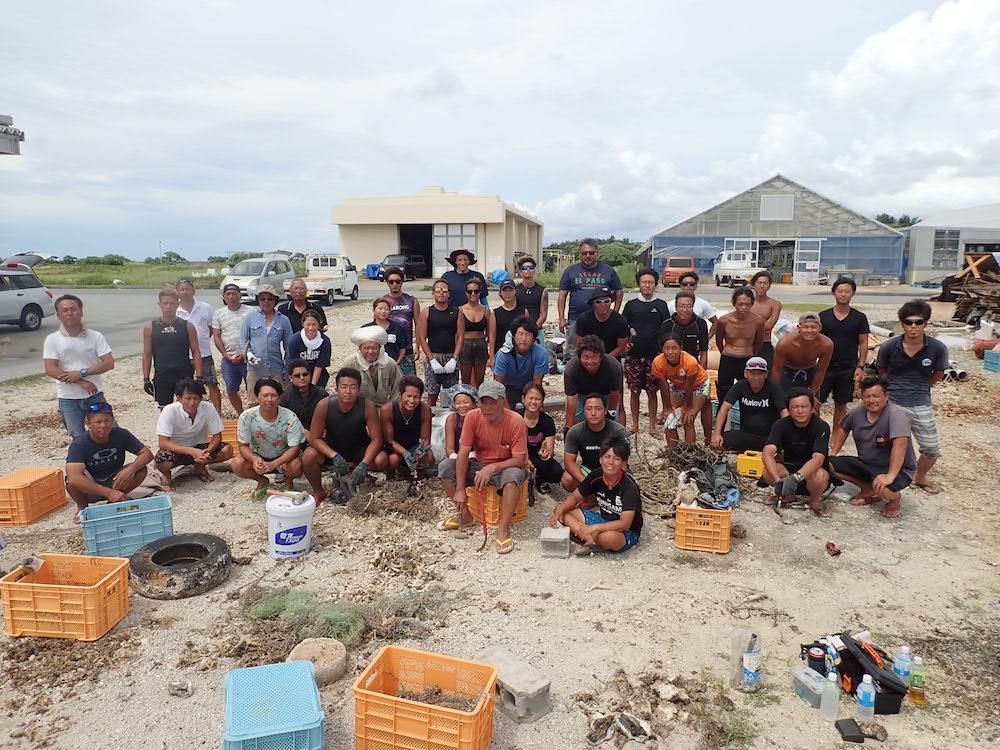 沖縄県・恩納村でダイバーと漁師述べ1000人以上が海中清掃を実施