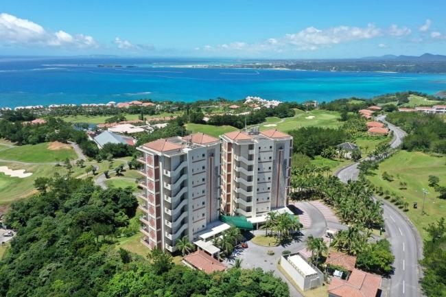 沖縄に本格ワーケーション施設「カヌチャリアンリゾートオフィス」がオープン