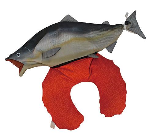 ヴィレヴァンアクアリウム 鮭 2WAYネックピロークッション