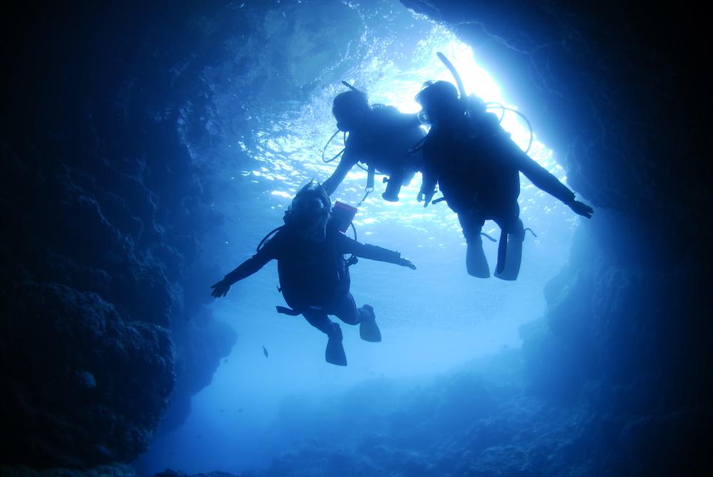 青の洞窟での体験ダイビング