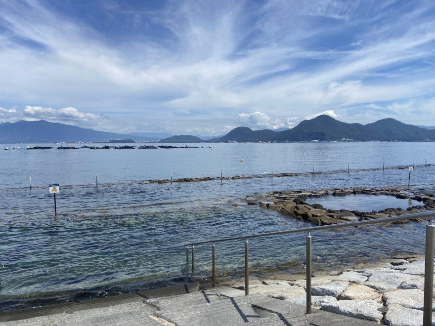 平沢のビーチ。整備されていて、初めてのダイビングでも安心。