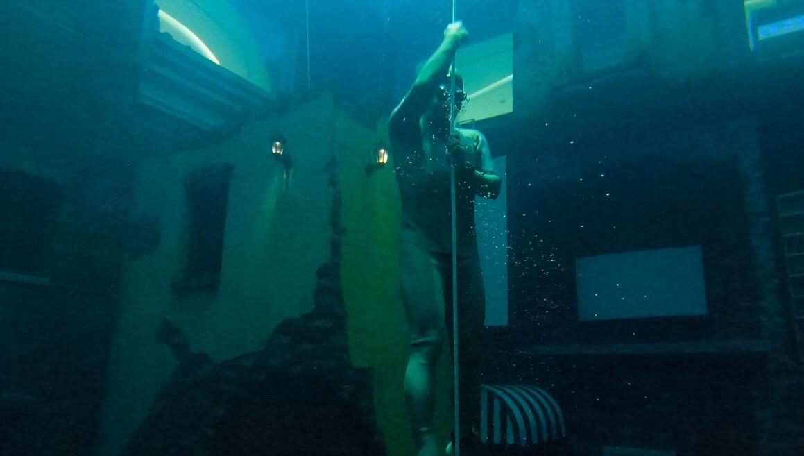 DeepdiveDubai(ディープダイブドバイ)体験記 日本人初!世界一深いプールで素潜りした男